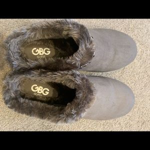 Guess slip on shoes